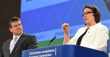 EU-komissio: Rekkojen päästöjä leikattava 15 prosenttia 7 vuodessa