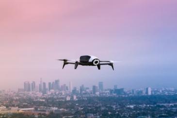 EU valmistelee sääntelyä drone-lennokeille