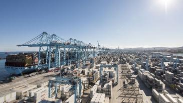 Maersk ja IBM digitalisoivat merenkulkua