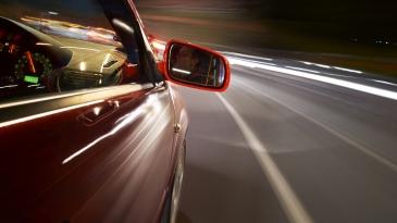 Joka kolmas välttää ajamista pimeällä