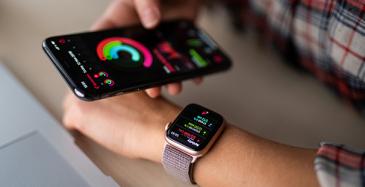 Telian älykellojen ja -rannekkeiden myynti kasvoi vuoden takaisesta yli 60 prosenttia.