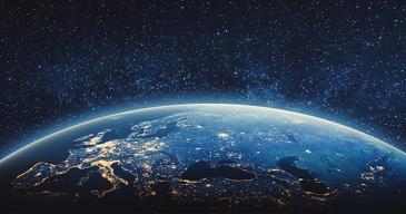 Esimerkiksi karttasovellukset, säätiedotukset, televisiolähetykset, veden ja ilmanlaadun seuranta, talvimerenkulku, rahdin seuranta, kaupunkisuunnittelu ja pelastustoimi ovat riippuvaisia satelliittidatasta.