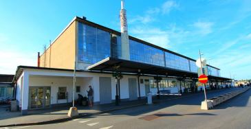 Pallo Bromman kohtalosta siirtyy nyt uudelleen Ruotsin hallitukselle. Ruotsin hallitus on aiemmin esittänyt lentoliikenteen keskittämistä Arlandaan.