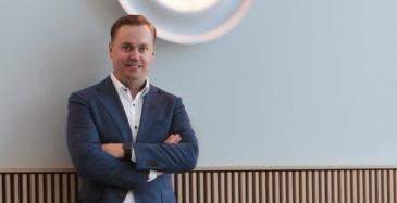 Jouni Viljanen johtaa Deloitten kumppani- verkoston riskienhallintapalveluita, joiden  kysyntä on kasvanut erityisesti pandemian hellittäessä ja yrityksien alkaessa kehittämään toimitusketjun riskienhallintaa.