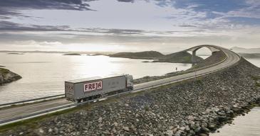 SDK Freja on logistiikan moniottelija. Se toimii merenkulun, maantielogistiikan, rahtauksen ja risteilyalusten palveluiden aloilla.