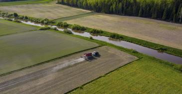 Puolet Ruotsin kotimaisesta ruoasta tuotetaan Skånessa, joten seudulla on erittäin hyvin saatavilla karjanlannan kaltaisia maatalouden sivutuotteita, joista voidaan tuottaa biokaasua osana kiertotaloutta.