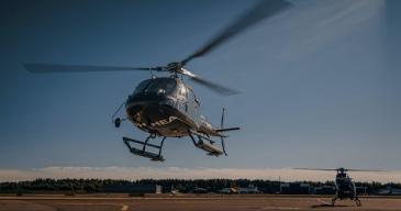 Yhtiön kalustona on Airbus H125, EC120 ja Robinson R44 helikopterit, joiden matkustajamäärät ovat 3-5 henkilöä.