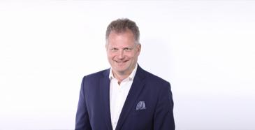 Autotuojat ja -teollisuus ry:n hallituksen puheenjohtajaksi on seuraavalle kaksivuotiskaudelle valittu Volvo Car Finland Oy:n toimitusjohtaja Lasse Ahlstedt.