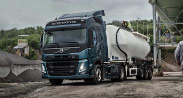 Volvo Trucks toimittaa 100 sähkökuorma-autoa DFDS:lle