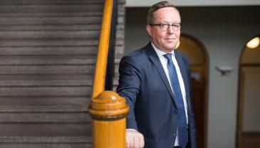 """""""Pyhäjärvelle suuntautuva investointituki tarkoittaa tulevaisuudennäkymää koko alueelle. Tuen myötä pitkään toiminut kaivos saa uuden merkityksen"""", sanoo elinkeinoministeri Mika Lintilä TEM:n tiedotteessa."""