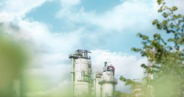 Suurseisokissa tehdään jalostamon määräaikaishuoltoon kuuluvia jalostamolle välttämättömiä tarkastuksia, huoltotöitä ja laitteistojen perusparannuksia.
