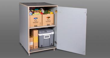 Box24 -kaapin voi varustaa siihen sopivalla jääkaapilla ruokatoimituksia varten.