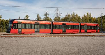 Raitiovaunujen varsinainen linjaliikenne Tampereella on määrä aloittaa elokuun alussa.