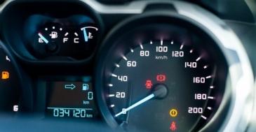 Europarlamentti: henkilöautoille harmonisoidut matkamittarit