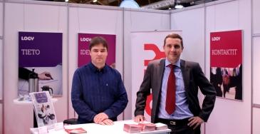 Palkinnon hakivat Jomet Oy:n liiketoiminnan kehitysjohtaja Bruno Lespinasse (oikealla) ja kehityspäällikkö Henri Hiisilä.