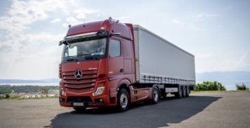 Mercedes-Benzille ajoavustin kuorma-autoihin