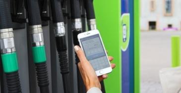 Kolmasosa autoilijoista maksaa polttoaineen sovelluksella