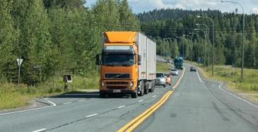 EU:lta vihreää pitkille ajoneuvoyhdistelmille