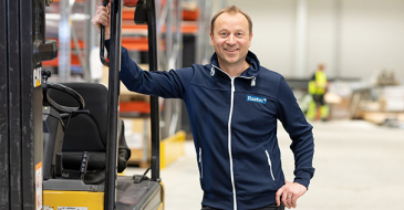 """""""Kokonaisvaltaiset varastopalvelumme soveltuvat kaikenkokoisille toimijoille"""", Rastec Sisälogistiikka Oy:n toimitusjohtaja-yrittäjä Harri Hakanen vakuuttaa."""