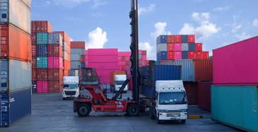 Kauppakamarin vientibarometri: Vientiä uhkaa romahdus ja protektionismi