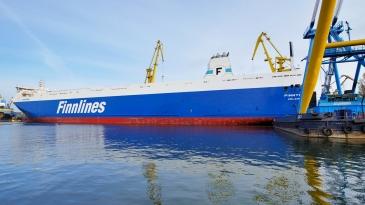 Finnlines pidentää vielä kahta ro-ro-alustaan
