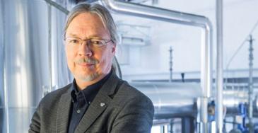 LUT ja professori Juhani Hyvärinen.