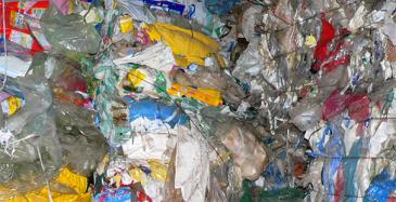 Neste sijoittaa muovien kierrätysteknologiaan