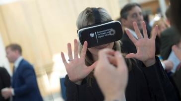 IRU: Jäitä hattuun digitalisaatiopuheissa