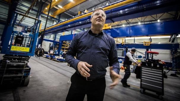 UUDET TILAT. Viime vuonna Pemamekille valmistui uusi, noin 6 000 neliömetrin tehdashalli. Hankintapäällikölle menestys näkyy kiireen lisäksi hyvänä työilmapiirinä.