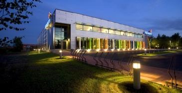 Suomesta sähköautojen testikeskus Englantiin