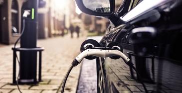 Sähköautojen myynti tuplaantui viime vuonna
