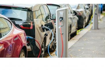 Työsuhdeautojen veroetu vauhdittaa sähköautoja