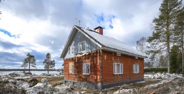 Ranskaan lähtee Sotkamosta vanha hirsitalo muodostaen yhden olennaisen osan koko Kalevala Spiritin jouluista kylää.