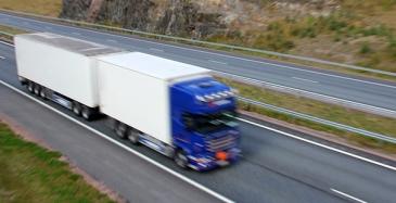Tullilta ohjeet rajat ylittävään liikenteeseen