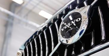 Volvo Cars avasi Torslandan tehtaan