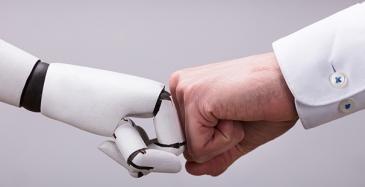 Valtaosa autoilijoista uskoo robotteihin