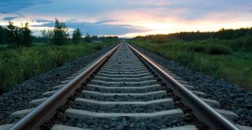 Itäisen suunnan nopean raideyhteyden edistämiseksi perustettavan hankeyhtiön tehtävänä olisi yhden uuden ratayhteyden suunnitteleminen.