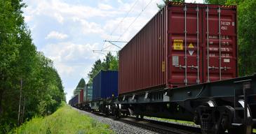 Ruotsissa tavarakuljetuksia halutaan siirtää entistä enemmän rautateille.