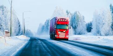 Kuljetusyritysten edunvalvoja SKAL soisi raskasta liikennettä valvottavan jatkuvana poliisityönä ja vakavista rikkomuksista rangaistavan tuntuvammin.