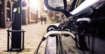 Sähköautojen autovero poistuu ja hankintatuelle luvassa jatkoa